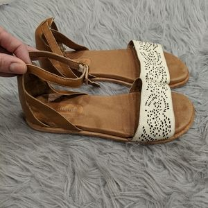 Gee Wawa leather sandals